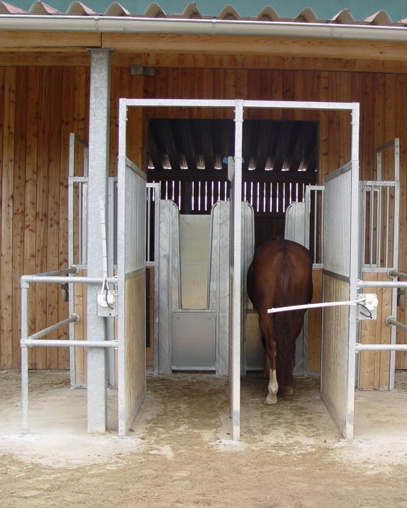 distributeur-automatique-individuel-de-fourrage-chevaux-ecurie-active Distributeur automatique individuel de fourrage