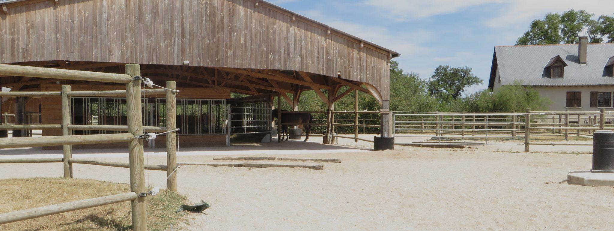 ferme-equestre-de-randeynes-ecurie-active-pension-chevaux Ferme équestre de Randeynes