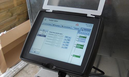 gestion-des-acces-paturage-porte-selective-ecurie-active Gestion des accès